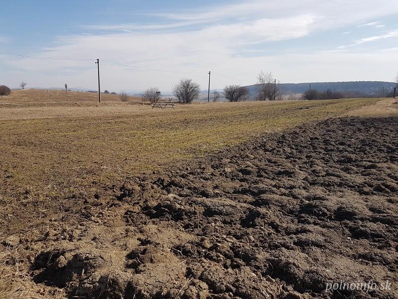 Sanagro pokračuje v špekulatívnych praktikách voči poľnohospodárom