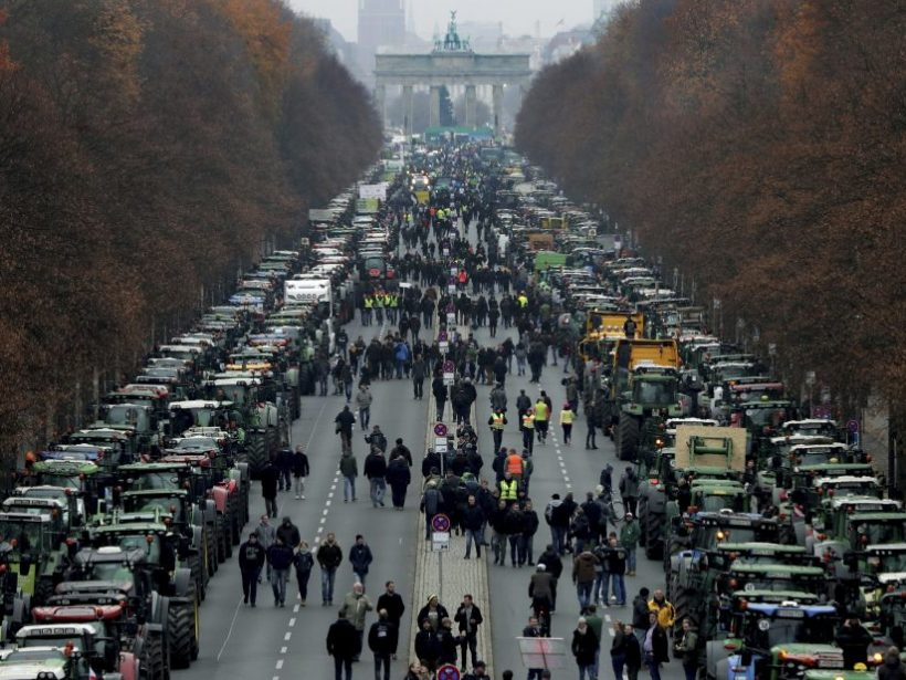 Nemecko: Farmári protestujú proti novým nariadeniam spolkovej vlády