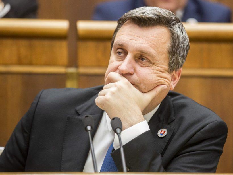 Novela o pozemkových úpravách neprešla, plénum neprelomilo veto prezidentky