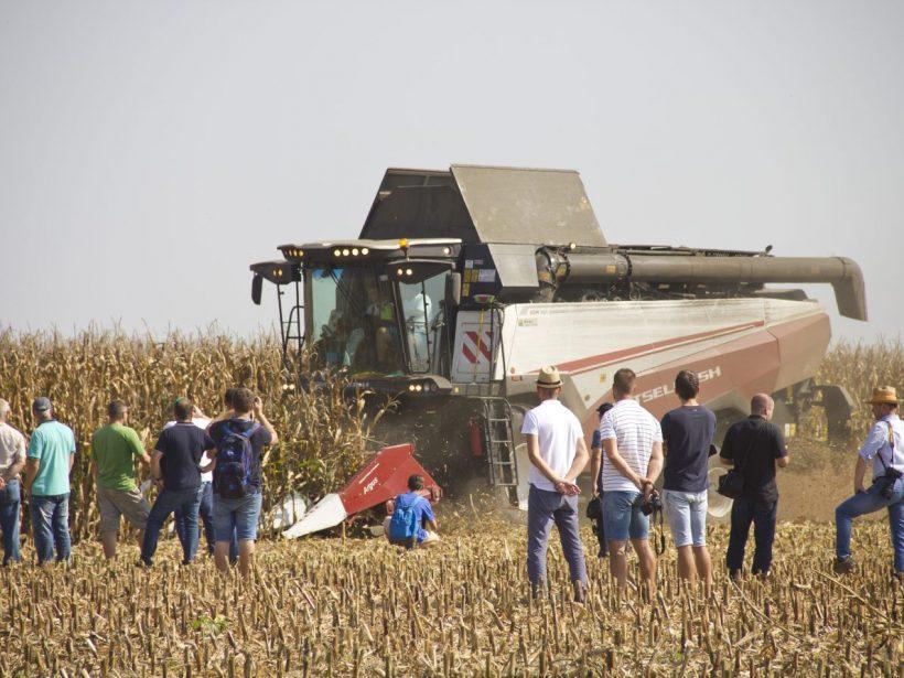 Slovenských poľnohospodárov zaujali ruské kombajny