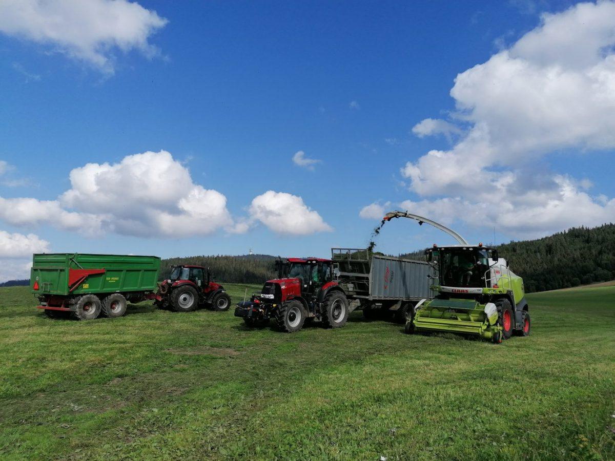 Ich cieľom je dostať 600-koňové traktory aj do Podhoria