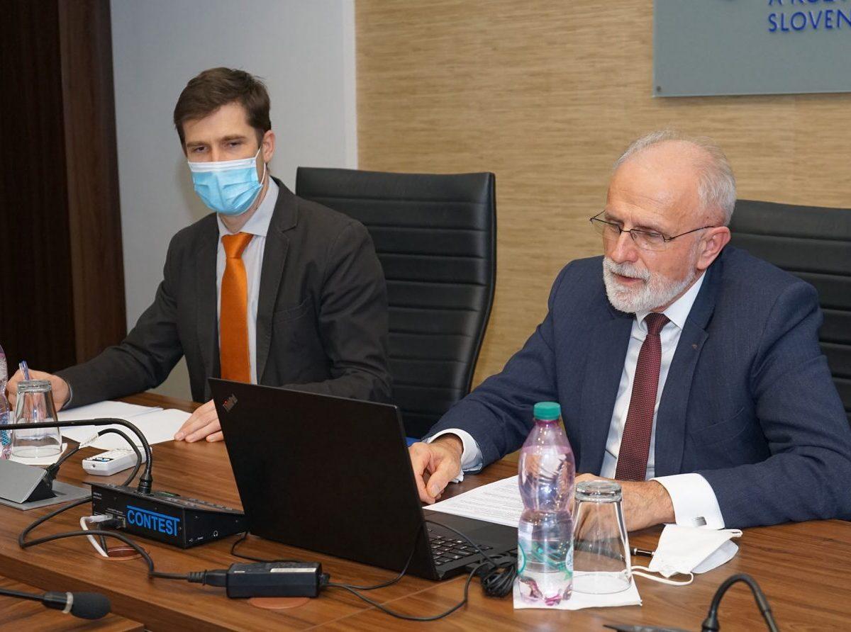 Minister J. Mičovský rokoval s veľvyslancom Francúzskej republiky v SR