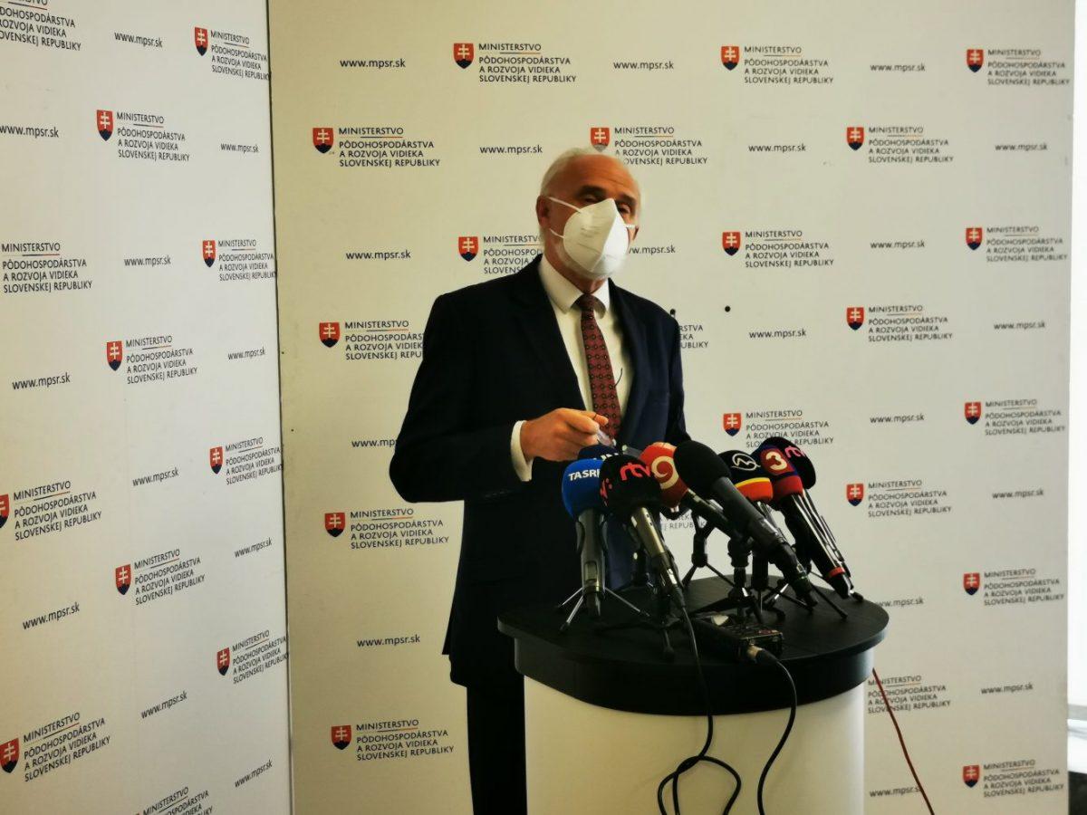 Minister chcel stiahnuť svoju demisiu